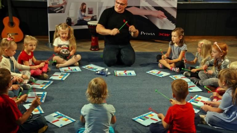 """Promocja książki """"Muzyczne podróże Zebrusia"""" 6.09.2014 r.:"""
